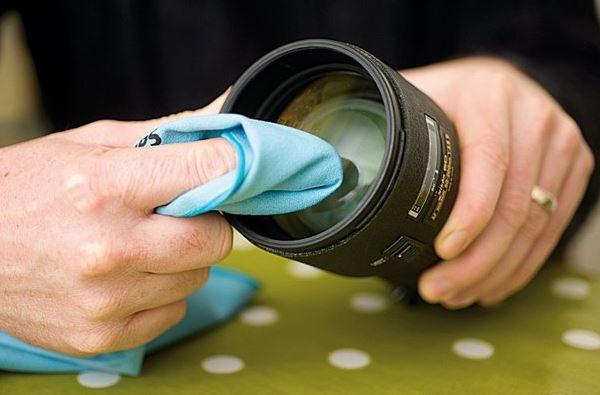 Cara Membersihkan Lensa Kamera