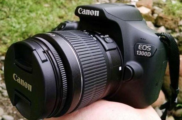 Canon EOS 1300D 1